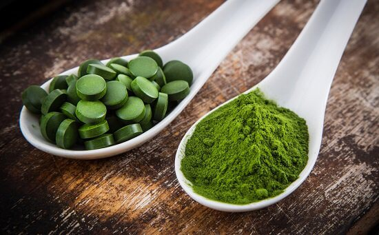 spirulina-in-tablet-and-powder-form.jpg