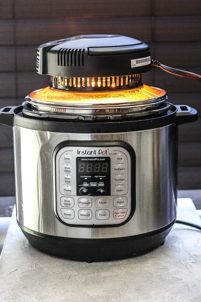 Crisplid on pressure cooker