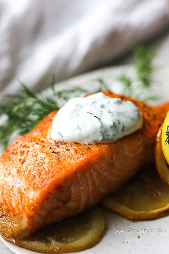 salmon with dill yogurt sauce