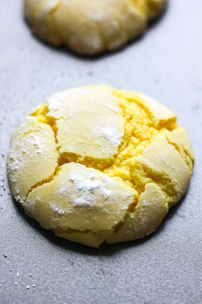 one lemon cake box crinkle cookie