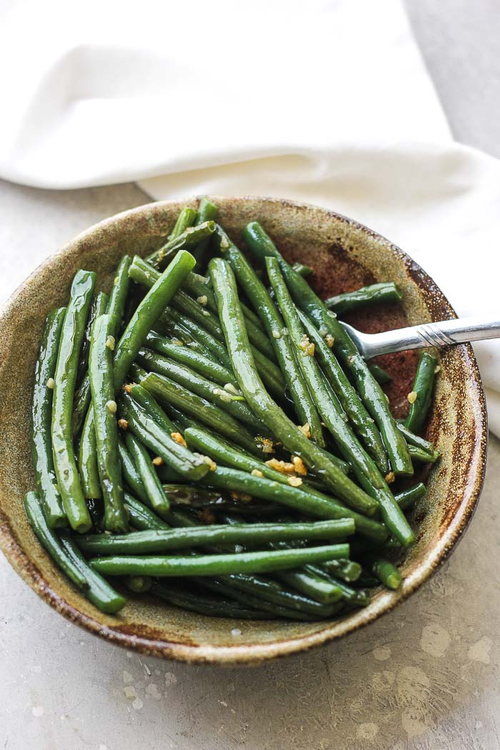 green beans in the bowl