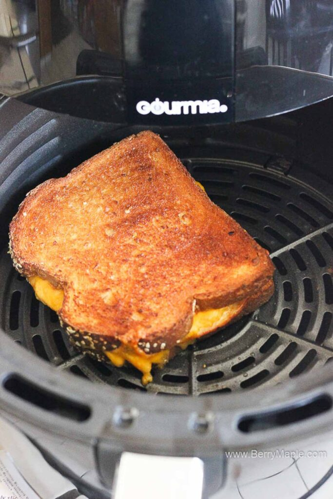 process of cooking sandwich in air fryer