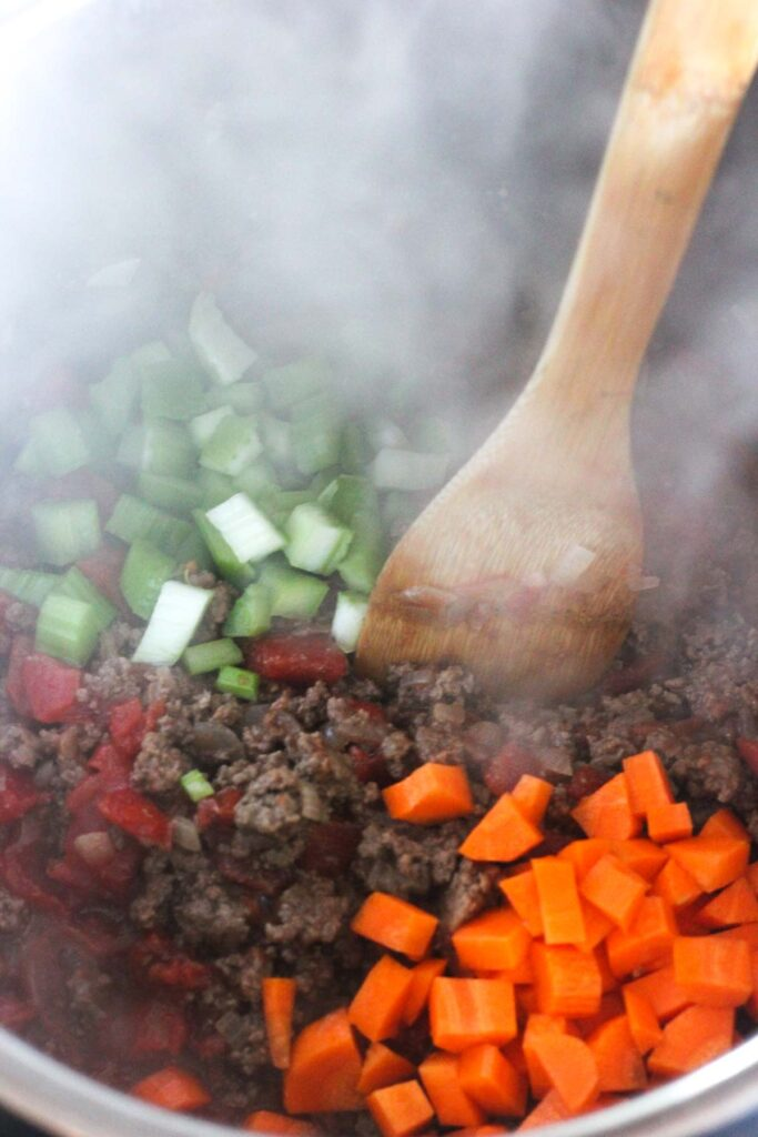 saute ground beef and vegetables